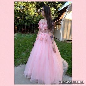 Dresses & Skirts - Pink Floral Evening Dress